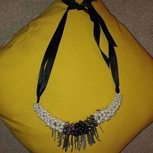 Banana Republic gray & white pearl ribbon necklace